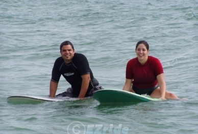 2couple-surf-lessons-surf-1